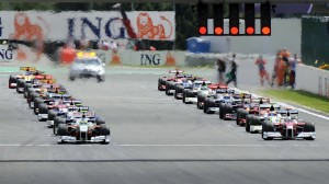 Drivers take the start of the Formula On