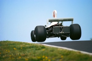 Hesketh-308-1974-James-Hunt-01-680x453[1]