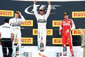f1-japanese-gp-2015-podium-race-winner-lewis-hamilton-mercedes-amg-f1-w06-second-place-nic[1]