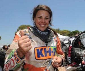 dakar-2011-laia-sanz-se-consagra-campeona-de-la-categoria-femenina-6933_1